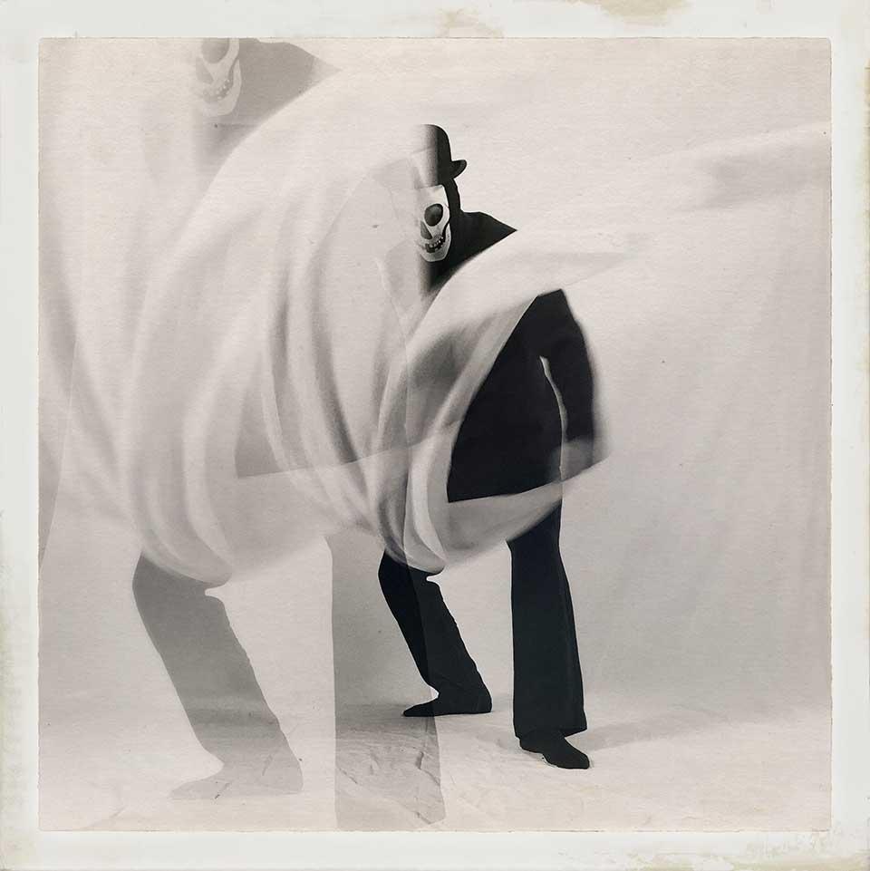 Guido-Cubo-Quadro-Into-White-01