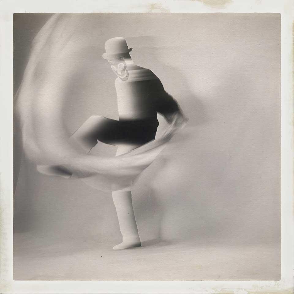 Guido-Cubo-Quadro-Into-White-06